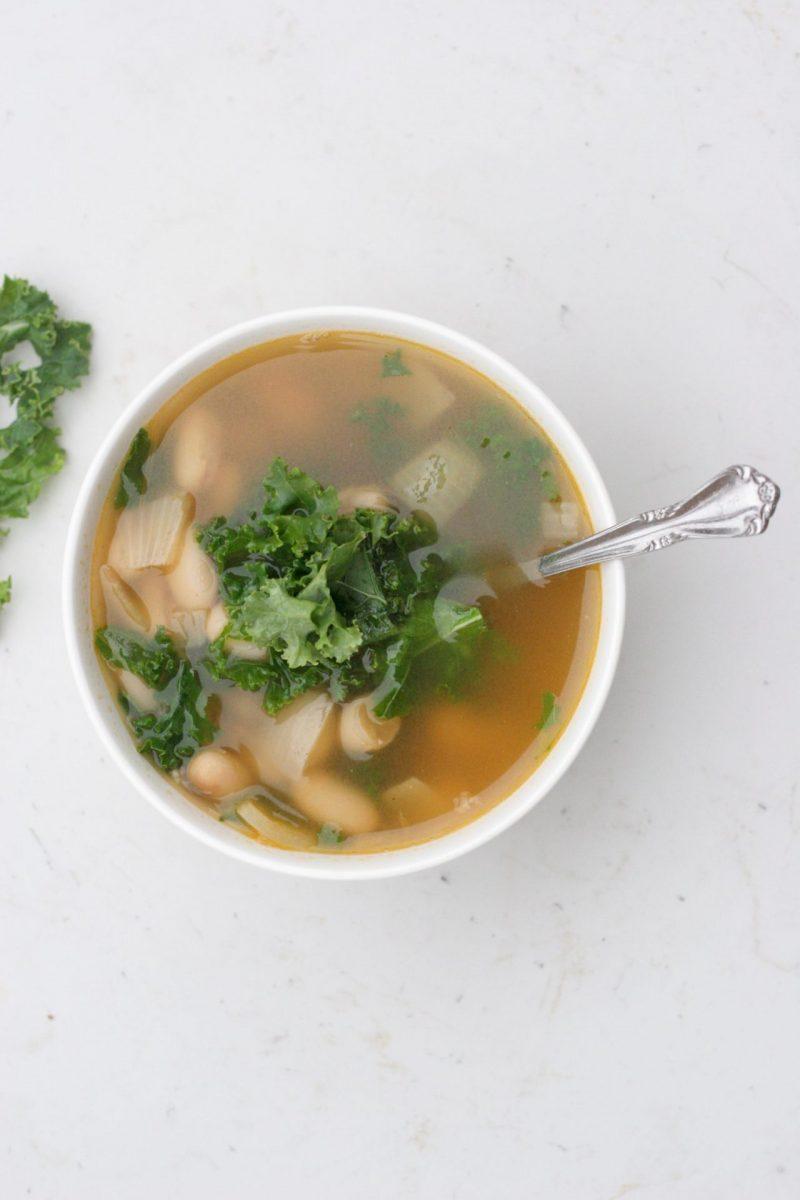 Simple Kale, White Bean and Quinoa Soup